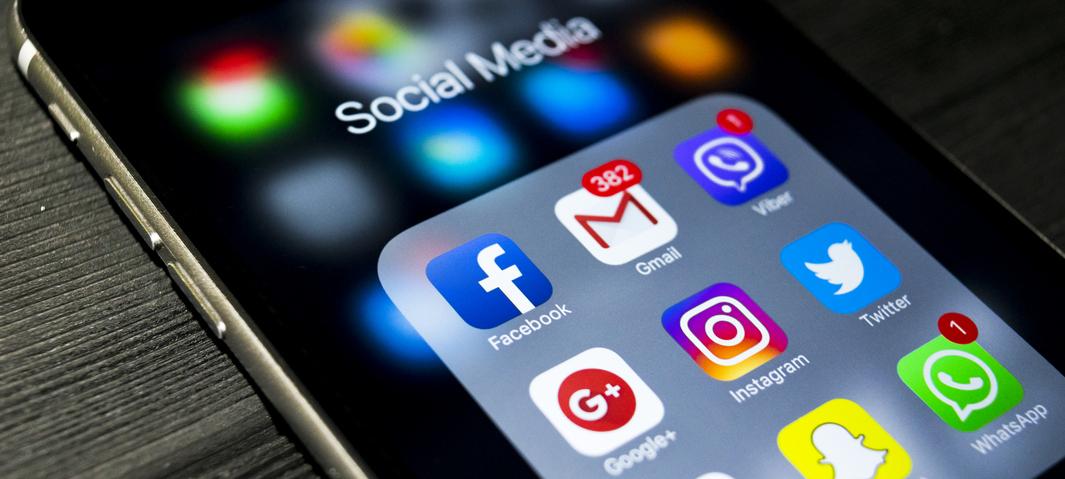 finding a job social media